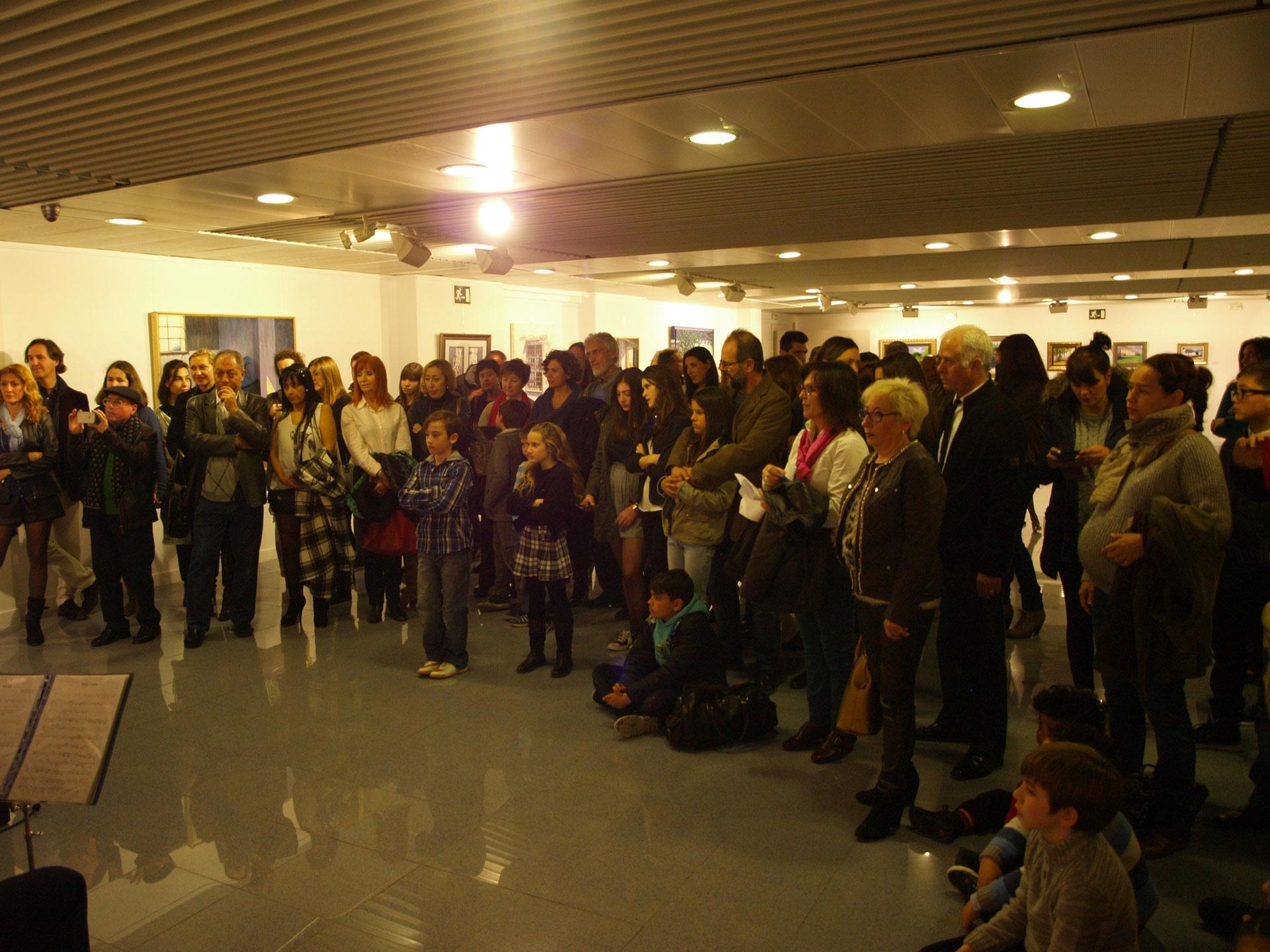 Exposición-en-el-Priódico-iInformación,Mundos-Paralelos,2015,-publico